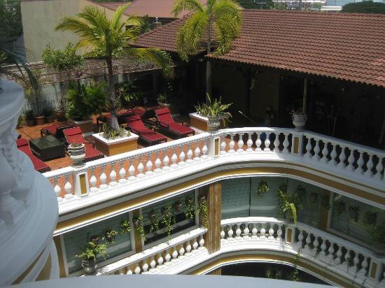 ABC Hotel: A quiet 1st floor lounge area