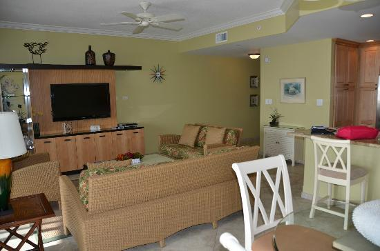Beachcomber Grand Cayman : Beachcomber #15 Living area