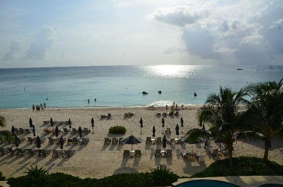 Beachcomber Grand Cayman: Beachcomber #15 - View from the terrace