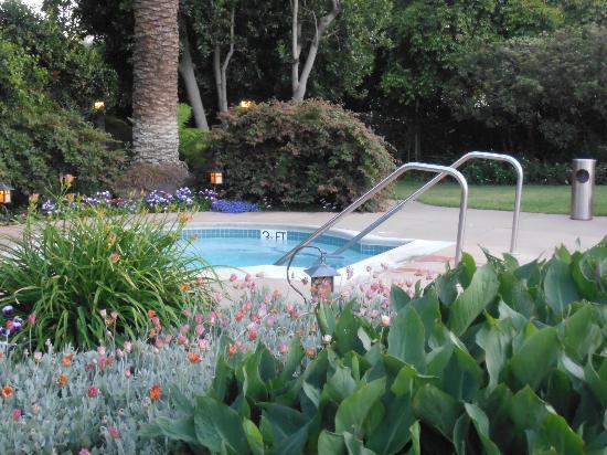 El Pueblo Inn: Pool area