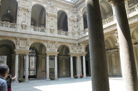 Palazzo Marino: il bellissimo cortile