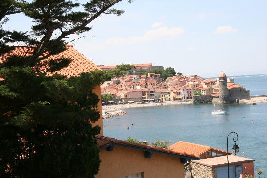 Le Bon Port : View from Room 14 over the Port of Collioure