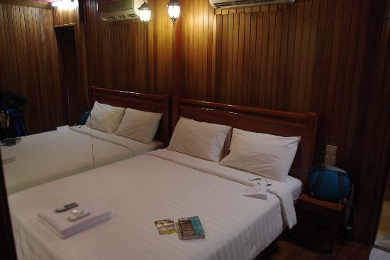 Rainforest Bed and Breakfast: our room