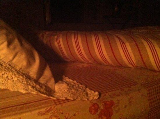 La Chevalee: cosy looking bed
