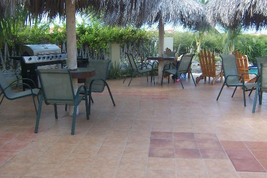 Aruba Cunucu Residence: Out door dining area