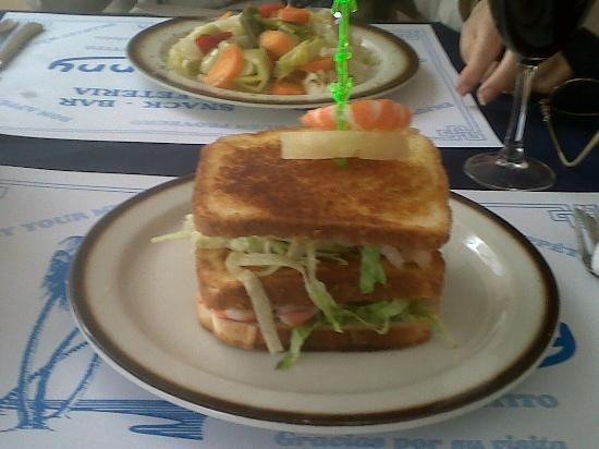 Joanny Bar: steamed veggies in rear, shrimp sandwich in front - good beer and wine