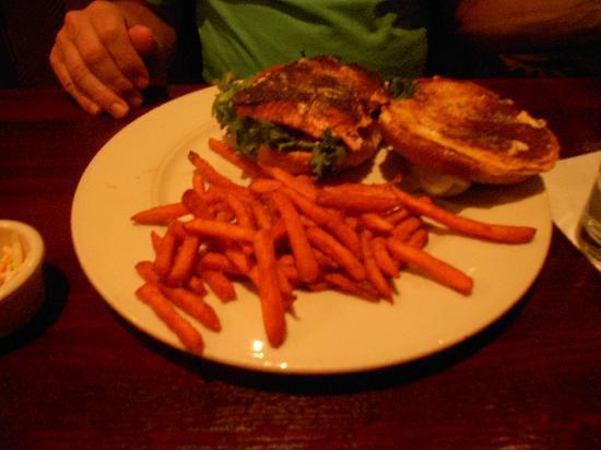 Village Tavern Scottsdale: Blackened Salmon Sandwich
