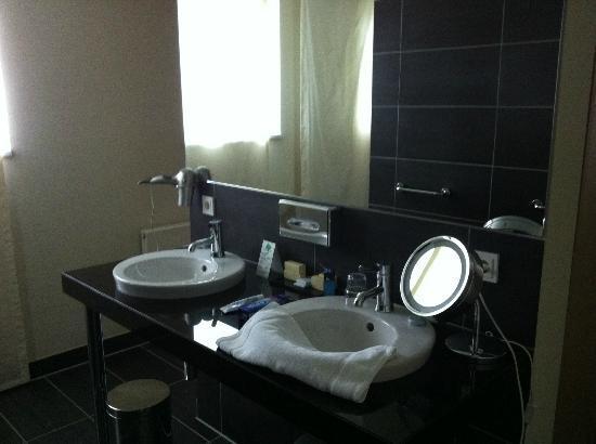 Hotel Schepers: bathroom
