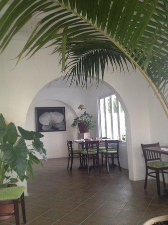 The Garden: nice fresh decor