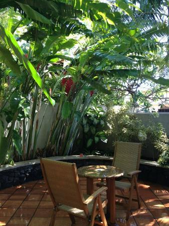 The Inn at Mama's Fish House: the suite's private lanai