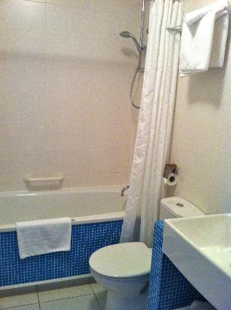 هوتل ريسترونت لوريتو: baño