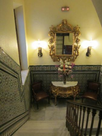 Hotel Europa: Staircase