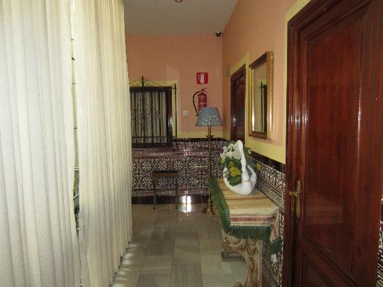 Hotel Europa: Hallway upstairs