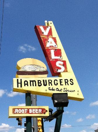 Val's Rapid SVC : This art deco sign marks the spot...where you will find good fast food!