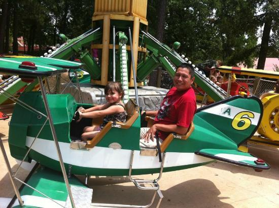 Magic Springs Theme and Water Park : Aubrey and me