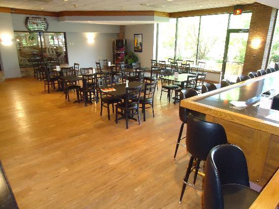 Photo of Magnuson Grand Hotel & Conference Center Carlinville