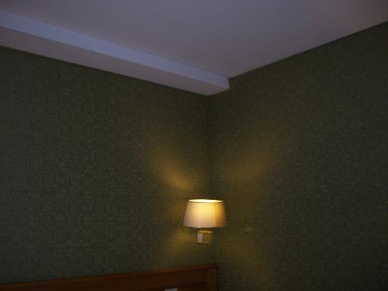 Spagna Hotel: Nicely covered walls.