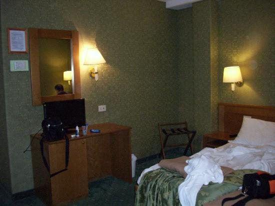 Spagna Hotel: Our room.