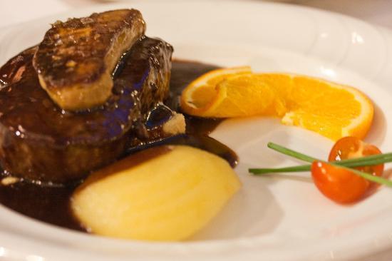 Casa Marieta: veal with foie gras