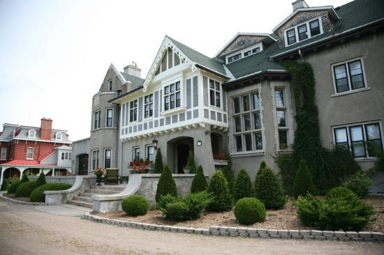 Grey Gables Inn Bed and Breakfast