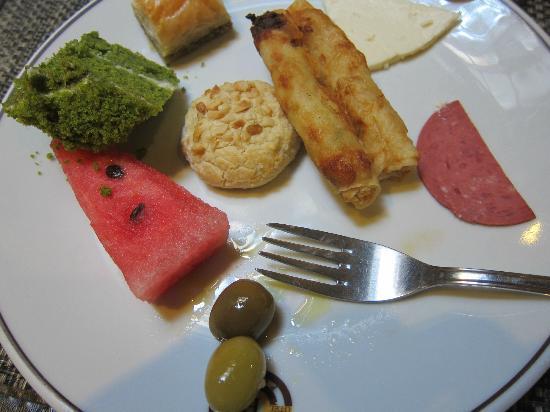 Best Point Hotel : First Helping of Breakfast Treats