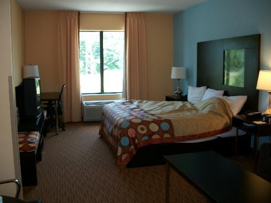 Super 8 Pennsville/Wilmington: Standard Room w/King Bed