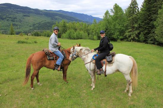 Vavenby Trail Rides: Us on the Shook's horses!