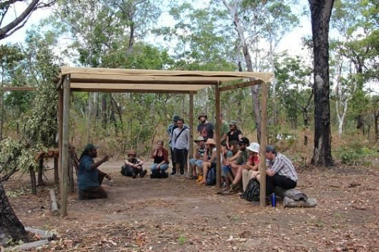 Pudakul Aboriginal Cultural Tours: Graham talking about Aboriginal family life
