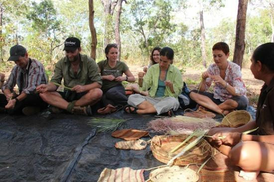 Pudakul Aboriginal Cultural Tours: Dyan teaching us to weave