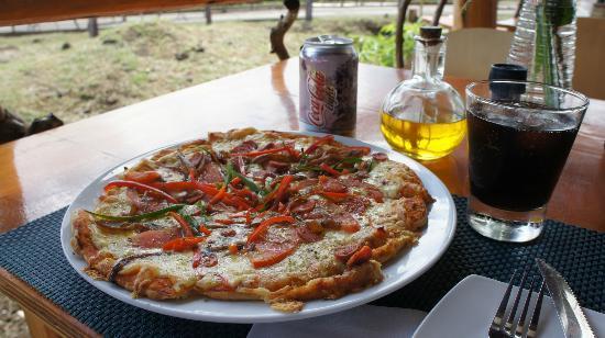 Miro Restobar : Española pizza