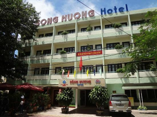 Song Huong Hotel: 正面