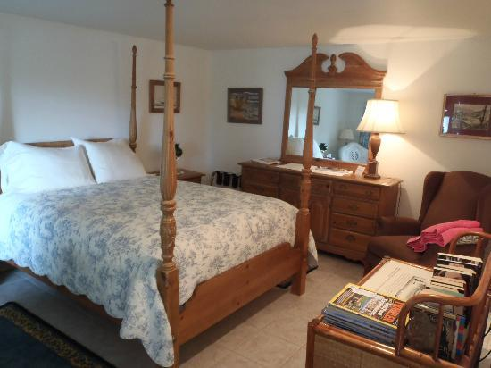 Caprice Bed & Breakfast: Room 27
