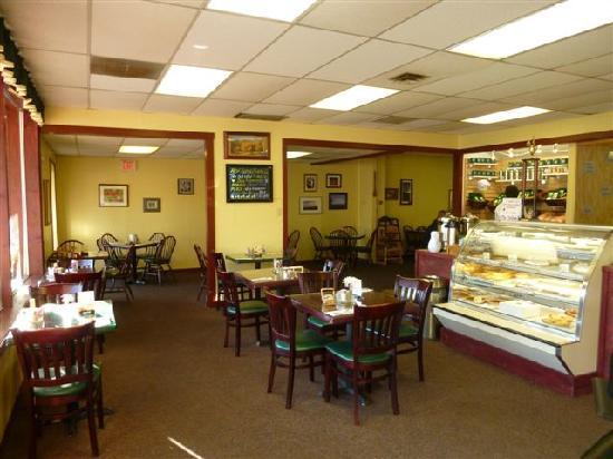 Cornerstone Bakery Cafe: Dining Room