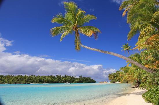 Aitutaki Lagoon: One Foot Island