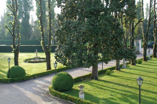 Villa Margherita Hotel: View of Grounds from our room