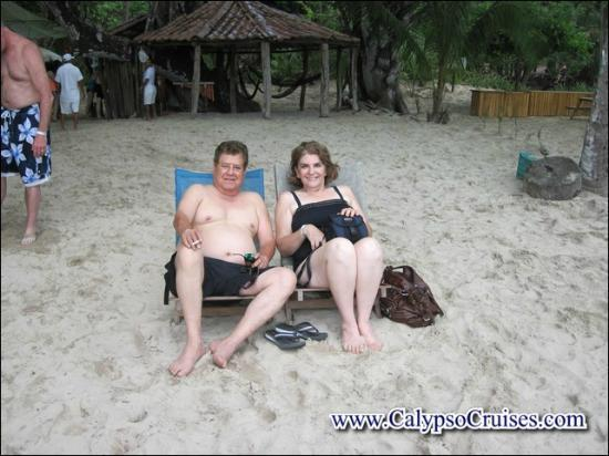 Turismo en Costa Rica CR : tomando el sol en la paradisiaca isal tortuga