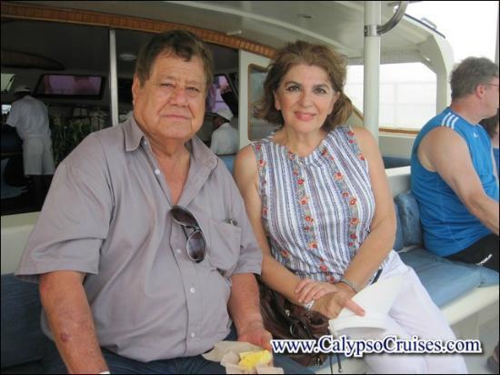 Turismo en Costa Rica CR : en el catamaran listos para nuestra aventura isla tortuga