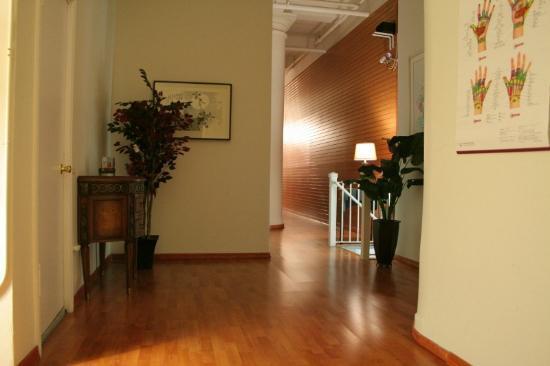 Taiji Bodywork: hallway 2