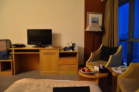 City Seasons Hotel: Large Rooms