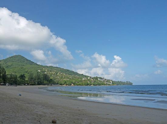 卡馬拉海灘照片