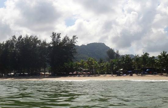 Kamala Beach: С воды это выглядит так
