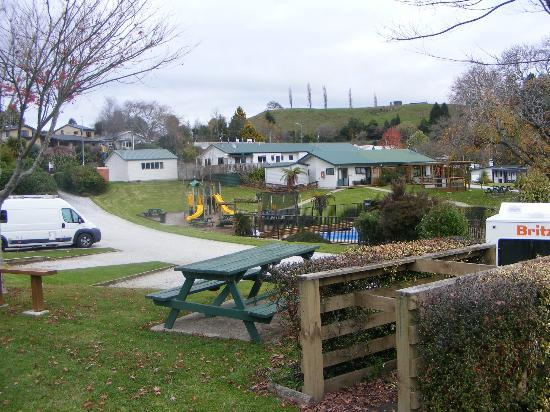 Waitomo Top 10 Holiday Park: Playground and Amenties
