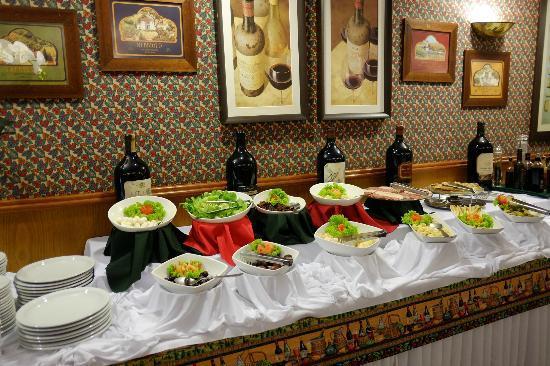 Hotel Bella Italia: Great salad buffet