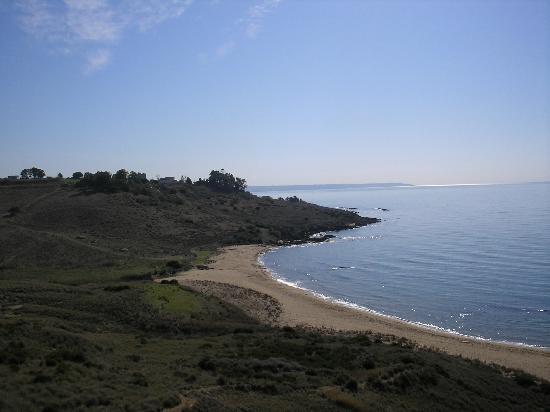 Porto Palo, Italien: Isolette - ein wunderschoener einsam gelegener Strand