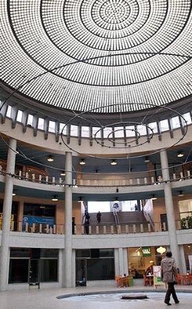 Galerie Ravenstein: Rotonde et son ciel de briques de verre