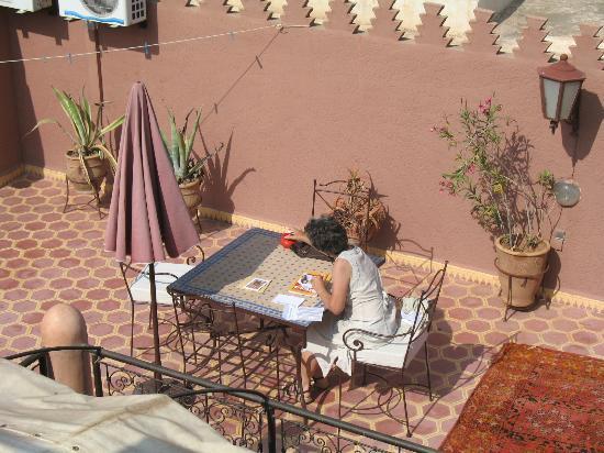 Dar Al Hamra: Petit déjeuner sur la terrasse