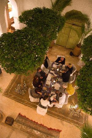 Riad Camilia: dinner in courtyard