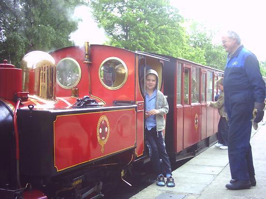 Kirklees Light Railway: Friendly staff