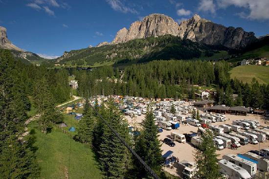 Colfosco, Italia: Vista verso il Passo Gardena