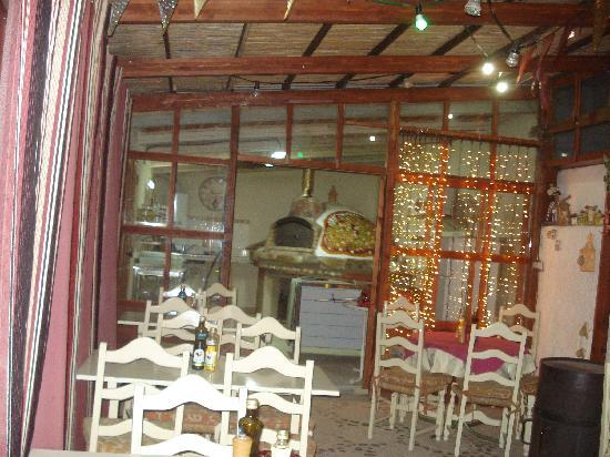 O Beiral Restaurant: sala esterna